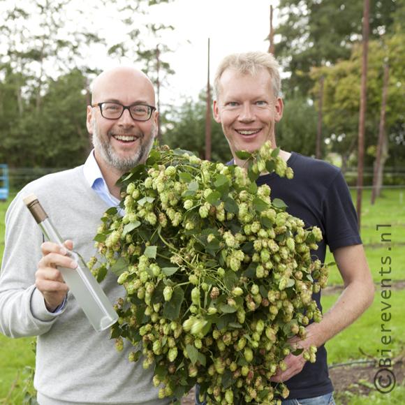 Michel Ordeman (Jopen) en Henk Wesselink, met hop en O de Vie