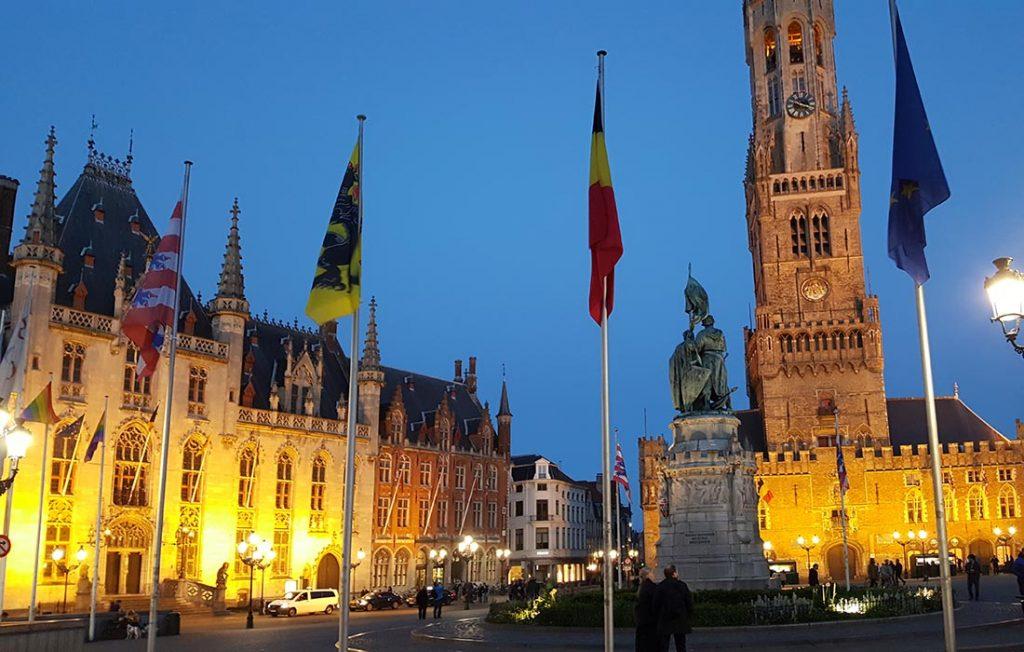 Bierstad Brugge by night